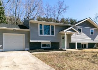 Foreclosed Home in Waterford Works 08089 CARRIAGE CT - Property ID: 4450990164