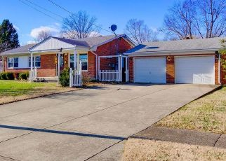 Foreclosed Home in Louisville 40258 SEAFORTH DR - Property ID: 4451119369