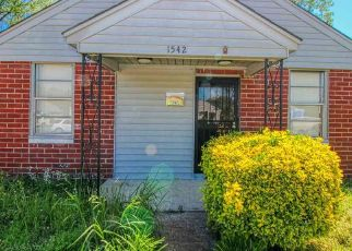Foreclosed Home in Memphis 38114 CELLA ST - Property ID: 4451141718