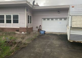 Foreclosed Home in Coquille 97423 N DOGWOOD ST - Property ID: 4451342749