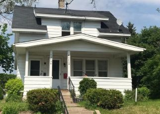 Foreclosed Home in Minneapolis 55422 LAKE ROAD AVE - Property ID: 4451361129