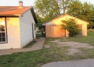 Foreclosed Home in Iowa Park 76367 N VICTORIA AVE - Property ID: 4451954593