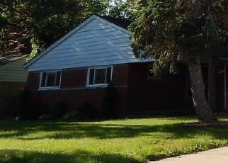 Foreclosed Home in Harper Woods 48225 EASTWOOD DR - Property ID: 4452172703