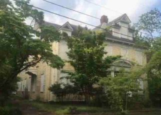 Foreclosed Home in Wilmington 28401 NUN ST - Property ID: 4452576968