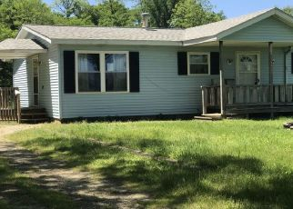Foreclosed Home in Cassopolis 49031 CROOKED CREEK RD - Property ID: 4452630833