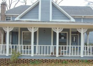Foreclosed Home in Jackson 38305 SCARLET OAK CV - Property ID: 4452664550