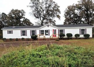 Foreclosed Home in Spring Lake 28390 MCKAY DR - Property ID: 4452821790