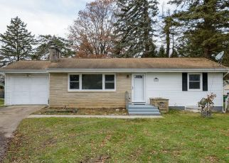 Foreclosed Home in Battle Creek 49015 24TH ST S - Property ID: 4452902363