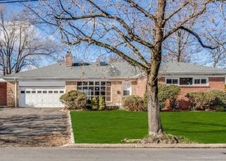 Foreclosed Home in Oradell 07649 SUSSEX ST - Property ID: 4452997407