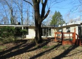 Foreclosed Home in Bloomfield 06002 BURR RD - Property ID: 4453025435