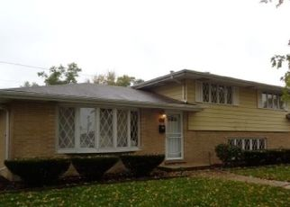 Foreclosed Home in Chicago Heights 60411 W 12TH ST - Property ID: 4453302227