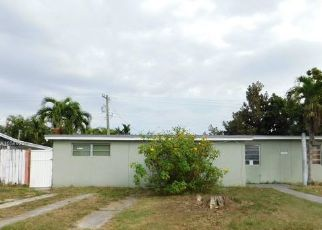 Foreclosed Home in Miami 33165 SW 107TH CT - Property ID: 4453319313