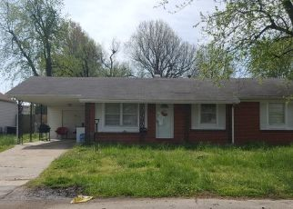 Foreclosed Home in Sikeston 63801 E GLADYS ST - Property ID: 4453342984