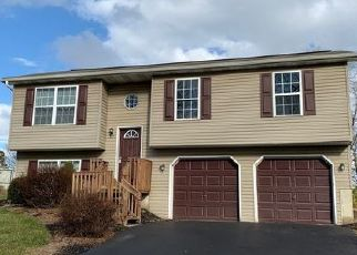Foreclosed Home in Dover 17315 SOLAR DR - Property ID: 4453685913