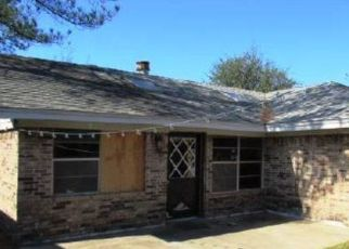 Foreclosed Home in Carrollton 75006 CECIL CT - Property ID: 4453713497