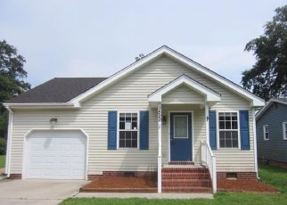 Foreclosed Home in Chesapeake 23325 LILAC AVE - Property ID: 4453737136