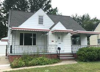 Foreclosed Home in Euclid 44123 BALL AVE - Property ID: 4453854972