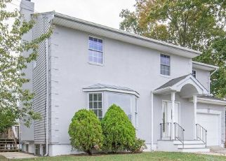 Foreclosed Home in Massapequa 11758 DOVER ST - Property ID: 4453879938