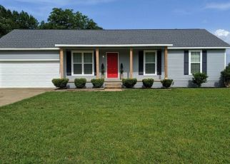 Foreclosed Home in Oakfield 38362 OLD MEDINA RD - Property ID: 4453895246