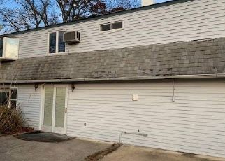 Foreclosed Home in Farmingville 11738 LEHIGH LN - Property ID: 4453896120