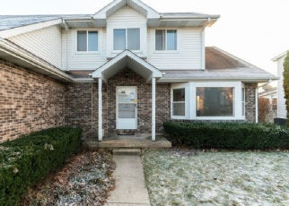 Foreclosed Home in Oswego 60543 FOX CHASE DR N - Property ID: 4453973206
