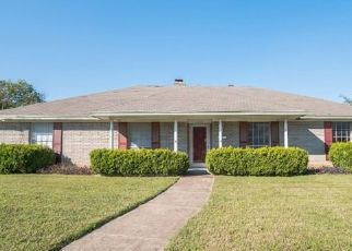 Foreclosed Home in Fort Worth 76134 CAMEO DR - Property ID: 4454028845