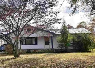 Foreclosed Home in Crossville 38572 TAYLORS CHAPEL RD - Property ID: 4454122116
