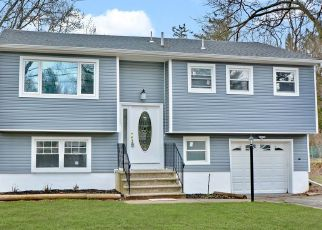 Foreclosed Home in Hopewell 08525 TAYLOR TER - Property ID: 4454125631