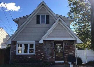 Foreclosed Home in Leonardo 07737 BREVENT AVE - Property ID: 4454136129