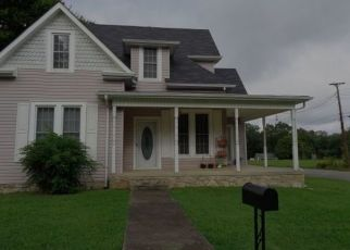 Foreclosed Home in Lawrenceburg 38464 JACKSON AVE - Property ID: 4454167229