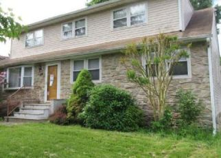 Foreclosed Home in Warminster 18974 3RD AVE - Property ID: 4454185633