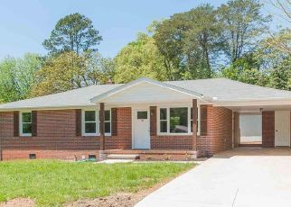Foreclosed Home in Greenville 29617 DERWOOD CIR - Property ID: 4454187830