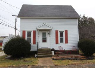 Foreclosed Home in Fowler 47944 E 3RD ST - Property ID: 4454246508