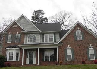 Foreclosed Home in Charlotte 28269 HAMPTON PLACE DR - Property ID: 4454286813