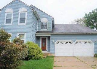 Foreclosed Home in Marlton 08053 TENBY LN - Property ID: 4454304315