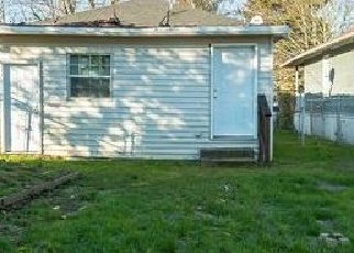 Foreclosed Home in Portland 97203 N TYLER AVE - Property ID: 4454319656
