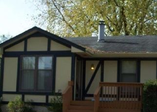 Foreclosed Home in Des Moines 50317 LAY ST - Property ID: 4454338935