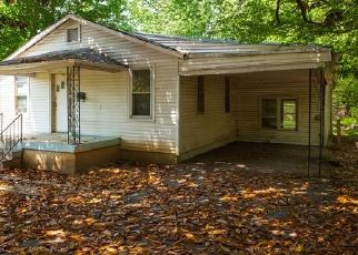 Foreclosed Home in Louisville 40214 BRUCE AVE - Property ID: 4454491334