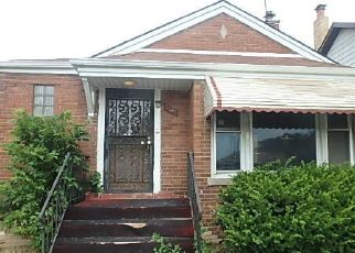 Foreclosed Home in Chicago 60617 E 83RD ST - Property ID: 4454519815