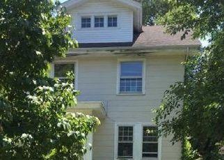 Foreclosed Home in Cincinnati 45237 CAROLINA AVE - Property ID: 4454694560