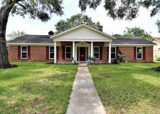 Foreclosed Home in Houston 77071 BRAES MEADOW DR - Property ID: 4454802740
