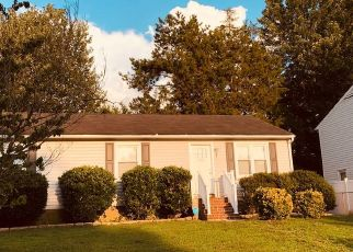 Foreclosed Home in Richmond 23223 APPLE GROVE LN - Property ID: 4454833845