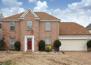 Foreclosed Home in Memphis 38125 ROXSHIRE CV - Property ID: 4454873694