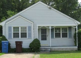 Foreclosed Home in Chesapeake 23324 HOOVER AVE - Property ID: 4454888581