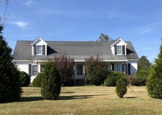 Foreclosed Home in Hope Mills 28348 KING HIRAM RD - Property ID: 4454948582