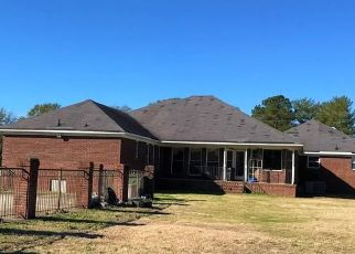 Foreclosed Home in Fayetteville 28312 TABOR CHURCH RD - Property ID: 4454975293