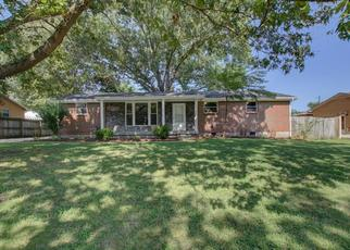 Foreclosed Home in Clarksville 37042 GLENNON DR - Property ID: 4455122905