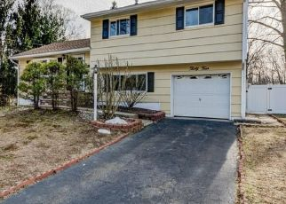 Foreclosed Home in East Brunswick 08816 BRADFORD RD - Property ID: 4455213107