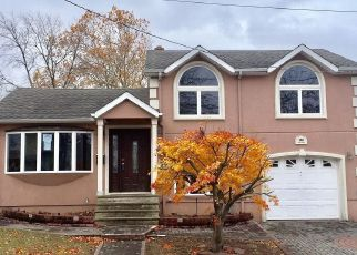Foreclosed Home in Saddle Brook 07663 SOUTH ST - Property ID: 4455218367