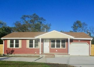 Foreclosed Home in Lakehurst 08733 MYRTLE ST - Property ID: 4455391369